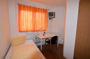 Кровать или кровати в номере Mezzaluna
