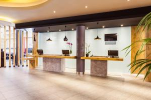 The lobby or reception area at Ibis Madrid Aeropuerto Barajas