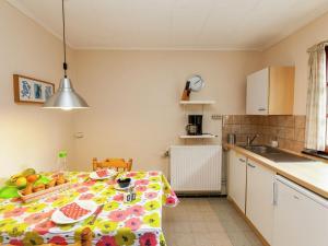 Een keuken of kitchenette bij Charming Apartment near the Forest in Durbuy