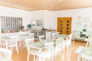 A restaurant or other place to eat at Casa do Outeiro - Arts & Crafts Boutique Hotel