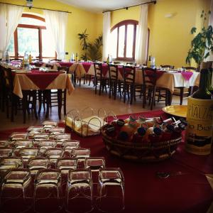 A restaurant or other place to eat at Agriturismo Pialza