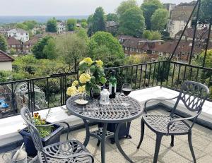 A balcony or terrace at Crystal Palace B&B