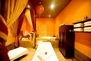 Een badkamer bij Miracle Resort Hotel