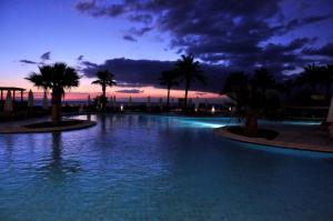 Бассейн в Safir Sharm Waterfalls Resort или поблизости