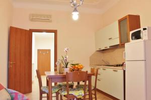 A kitchen or kitchenette at House Carla by Holiday World