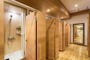 A bathroom at Shinjuku Kuyakusho-mae Capsule Hotel