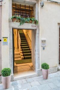 The facade or entrance of Polo's Treasures