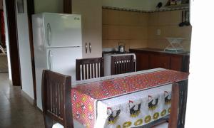 Una cocina o kitchenette en La Protegida