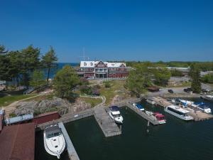 A bird's-eye view of Bonnie Castle Resort & Marina