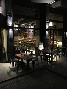 مطعم أو مكان آخر لتناول الطعام في فندق كارامل البوتيكي