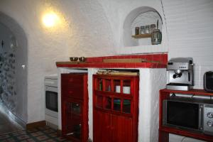 Una cocina o zona de cocina en Cueva Los Naranjos