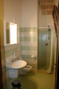 A bathroom at B&B Meridiana