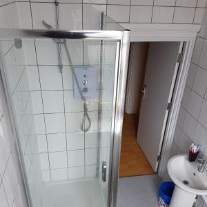 A bathroom at Argyle Arms
