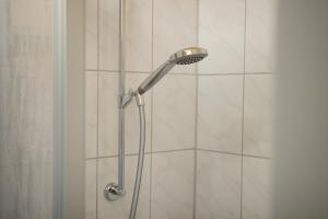 A bathroom at Hostel SLEPS