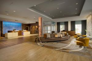 The lobby or reception area at Fairfield Inn and Suites by Marriott Nashville Downtown/The Gulch