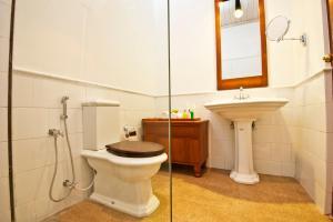 A bathroom at EKHO Sigiriya