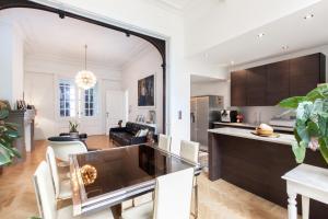 Een keuken of kitchenette bij B&B Quatre20cinq
