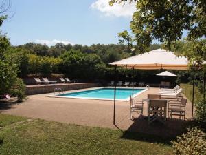 The swimming pool at or near Castello di Montalto