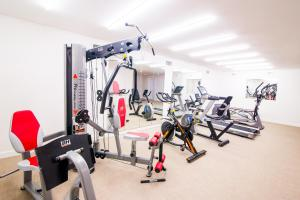 The fitness center and/or fitness facilities at Augusta Barcelona Vallès