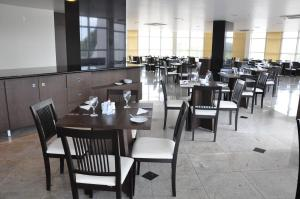A restaurant or other place to eat at Boa Vista Eco Hotel