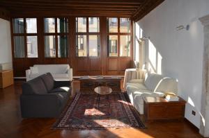 Гостиная зона в Dorso Duro Apartment