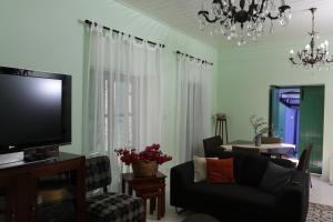 A television and/or entertainment center at To Konatzi tis Marikas tzai tou Yianni