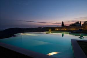 The swimming pool at or close to Collina Degli Ulivi B&B