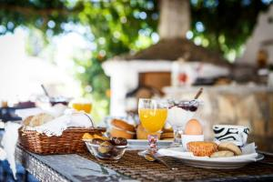 Breakfast options available to guests at Seranides Boutique Hotel