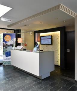 The lobby or reception area at Mercure Brignoles Golf de Barbaroux & Spa