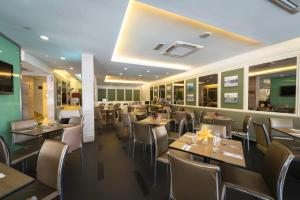 A restaurant or other place to eat at Hotel Sentral Georgetown @ City Centre