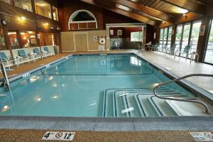 The swimming pool at or near Fireside Inn & Suites Gilford