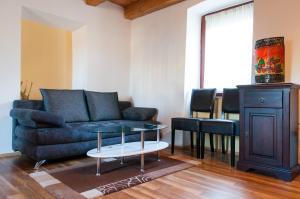 A seating area at Apartment Gasa
