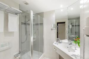 Ein Badezimmer in der Unterkunft Mercure Hotel Greifswald Am Gorzberg