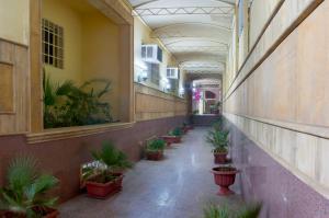 O saguão ou recepção de Al Farhan Hotel Suites - Al Salam