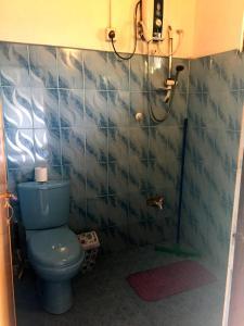 A bathroom at Happy Coconut
