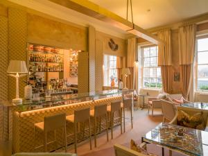 The lounge or bar area at No.15 Great Pulteney Hotel and Spa