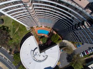 A bird's-eye view of BreakFree Capital Tower Apartments