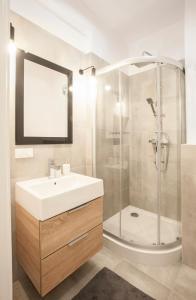 Łazienka w obiekcie Family Comfort Apartament Old Town Gdańsk - studio & sofa, 1 bedroom, parking
