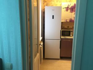 Кухня или мини-кухня в Apartment Lenina 10