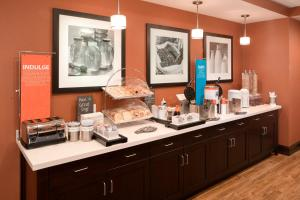 A kitchen or kitchenette at Hampton Inn Kanab