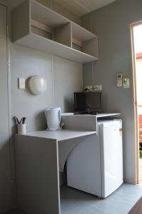 A kitchen or kitchenette at Anchorage Weipa