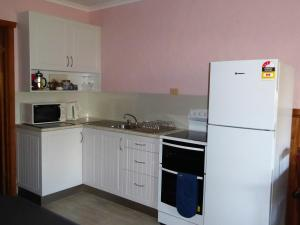 A kitchen or kitchenette at Platypus Park Country Retreat