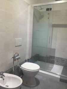 Koupelna v ubytování Milan Hotel