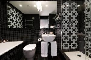 A bathroom at The Fitzwilliam Hotel Belfast