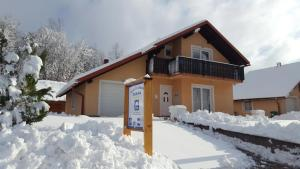 Holiday home Zulejka during the winter