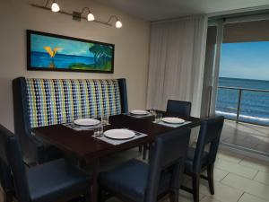 A restaurant or other place to eat at Marriott's Crystal Shores