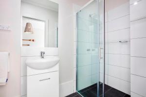 A bathroom at Nightcap at Caringbah Hotel
