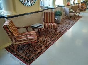 A seating area at Hotel Elphinstone