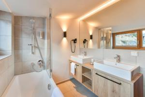 Een badkamer bij Hotel Sonnblick