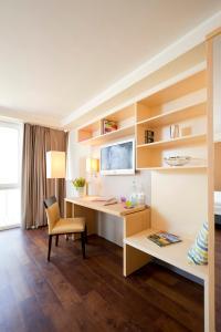 A kitchen or kitchenette at Bonnox Boardinghouse & Hotel